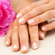 Hände nach Maniküre | hautok und hautok cosmetics